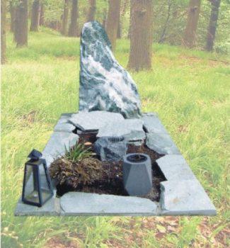 Ruwe natuursteen grafsteen R26