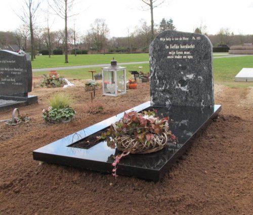 Ruwe graf steen